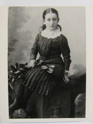 Minnie Drew ca 1900