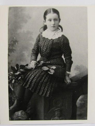 Minnie Drew ca 1900