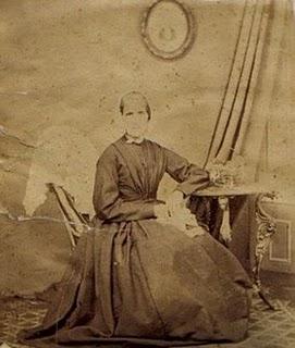 MaryNevinmother