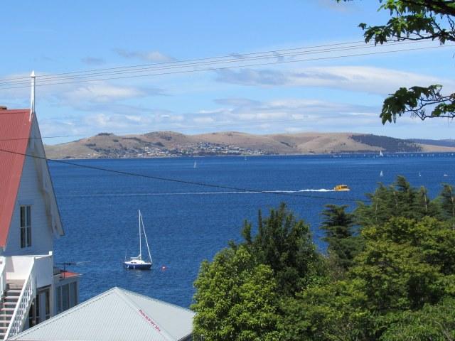 Derwent from Mona St Battery Point